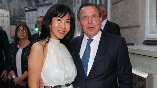 Gerhard Schröder und seine Frau Soyeon Kim im August bei den Salzburger Festspielen