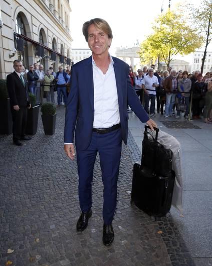 Gerhard Schroder Und Soyeon Kim Feiern Hochzeit Im Hotel Adlon In