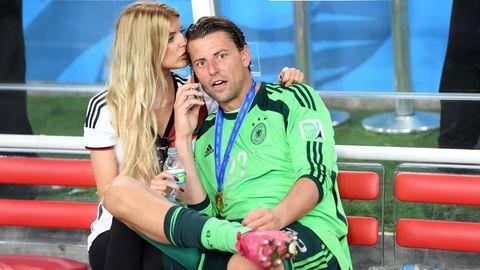 Lisa und Roman Weidenfeller 2014 nach dem Gewinn des WM-Titels in Rio