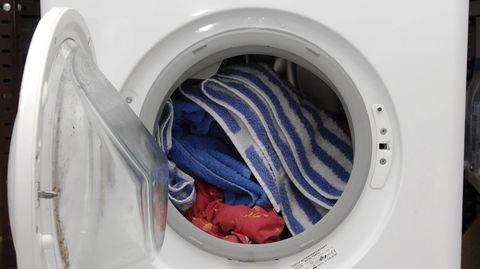 Die Frau legteein Verlängerungskabel aus dem Waschkeller bis in ihre Wohnung (Symbolbild)