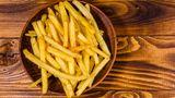Pommes frites  Die frittierten Kartoffelschnitten stehen stellvertretend für Frittiertes allgemein. Der hohe Fettgehalt ist schwer verdaulich und zum Verzehr vor dem Schlafengehen daher nicht empfehlenswert.