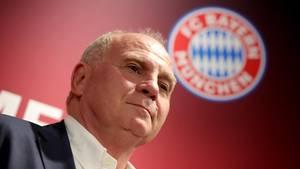 FC-Bayern-München-Präsident Uli Hoeneß steht voll hinter seinem Trainer Niko Kovac