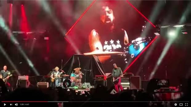 "Nirvana-Reunion beim Song ""In Bloom"""