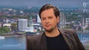 Christian Fuchs war einer der Journalisten, die auf Twitter mit dem Tode bedroht wurden.