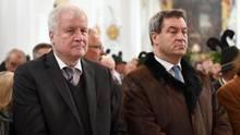 Horst Seehoferund Markus Söder bei dem Gedenkakt zum 30. Todestag von dem früheren CSU-Vorsitzenden Franz Josef Strauß