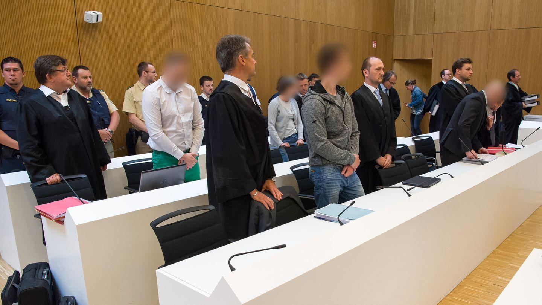 Drei der vier Angeklagten im Münchener Doppelmord-Prozess bekamen lebenslange Freiheitsstrafen