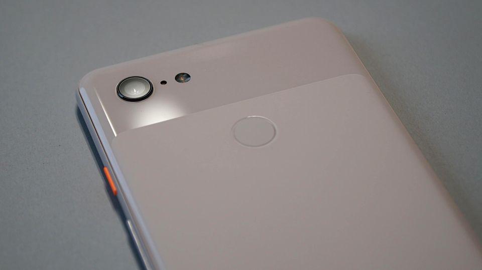 Das Pixel 3 hat nur eine Linse, die aber trotzdem für tolle Fotos sorgen soll.