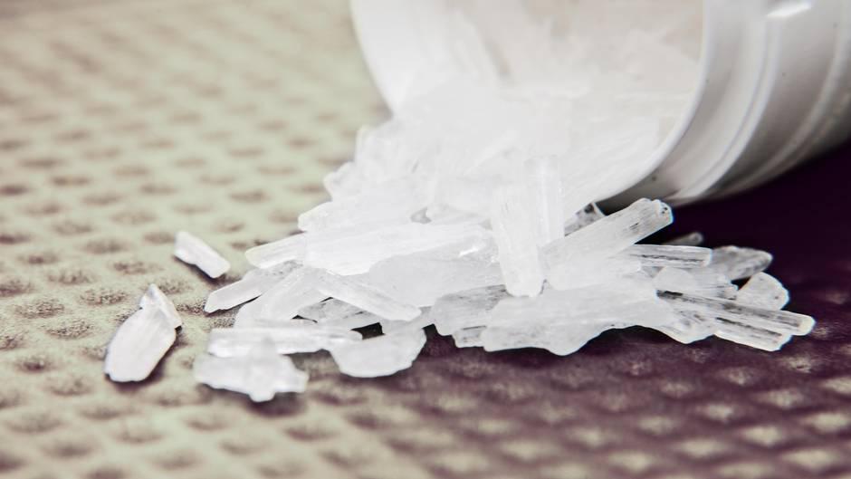 Mann schmuggelt Crystal Meth im Koffer