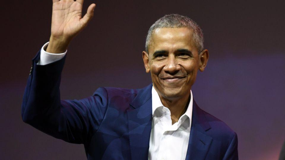 Barack Obama winkt