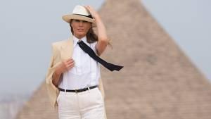 Die US-First-Lady Melania Trump auf ihrer Tour durch Afrika in Ägypten