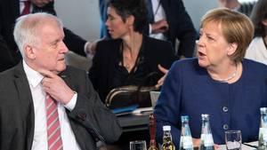 Bundeskanzlerin Angela Merkel mit Innenminister Horst Seehofer