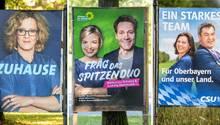 Wahlplakate zur Bayern-Wahl: Wer kann mit wem? Im Freistaat hat man mit der Bildung von Regierungskoalitionen wenig Erfahrung. Doch diesmal wird es nötig sein.