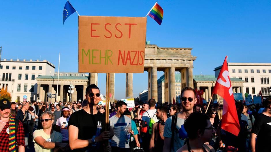 """""""Unteilbar"""" in Berlin: Mehr als 240.000 Menschen demonstrieren gegen Ausgrenzung, Hass und Rassismus"""