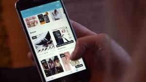 """Bestellung per Click in China: Die App """"Wish"""" erfreut sich wachsender Beliebtheit bei Online-Shoppern."""