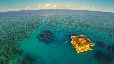 Ein schwimmendes Hotelzimmer im Indischen Ozean