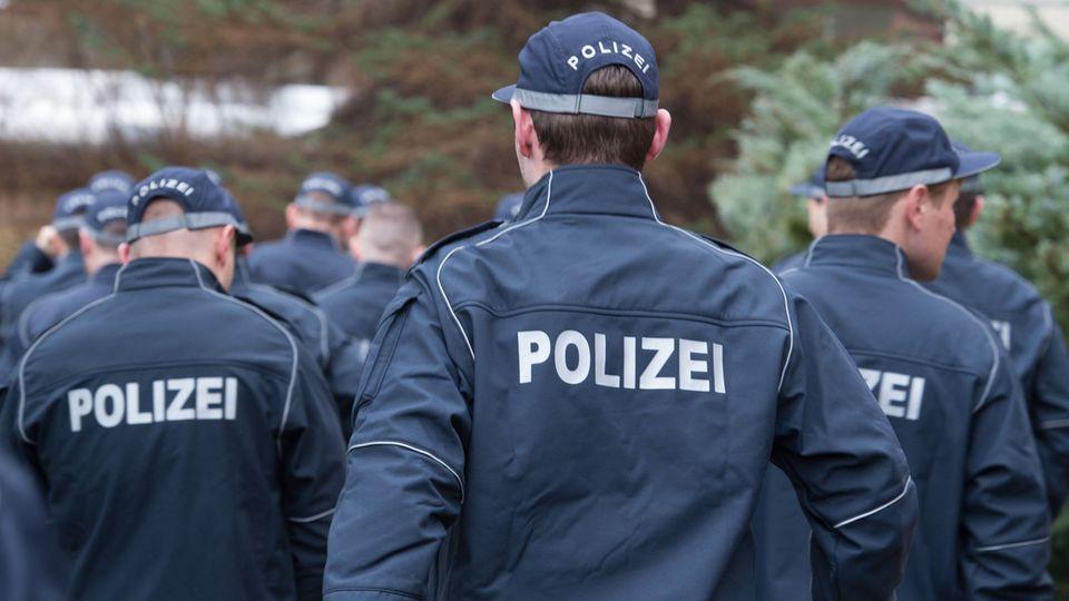 Wachpolizisten am Beginn ihrer Ausbildung an der Hochschule der Sächsischen Polizei - hier in der Außenstelle in Bautzen. Die Fachhochschule mit Hauptsitz in der Kleinstadt Rothenburg in der Oberlausitz wird von einem Schummelskandal erschüttert.