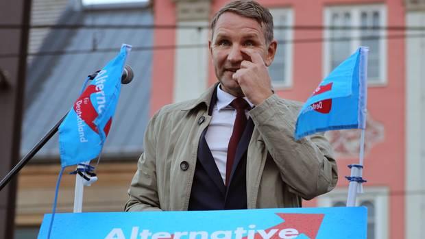Der Thüringer Partei- und Fraktionschef der AfD, Björn Höcke,bei einer Kundgebung