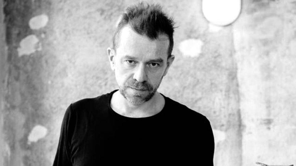Klaus St. Rainer ist seit 30 Jahren in der Gastronomie tätig und eröffnete die Goldene Bar in München