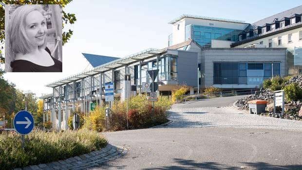 Das Klinikum Bayreuth und ein Foto der Epilepsie-Patientin Victoria H. in einer Combo
