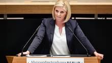 Jessica Bießmann bei einer RedeimBerliner Abgeordnetenhaus. Sie war familienpolitische Sprecherin der AfD-Fraktion
