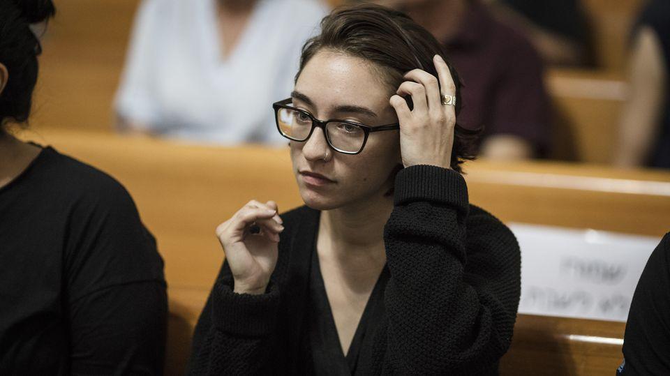 22-jährige US-Studentin: Warum diese Frau seit Wochen am Flughafen von Tel Aviv in Abschiebehaft sitzt