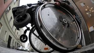 Nachrichten aus Deutschland: Rollstuhlfahrer