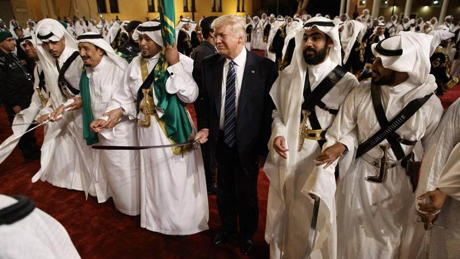 Donald Trump bei seinem Regierungsbesuch in Saudi-Arabien im vergangenen Jahr