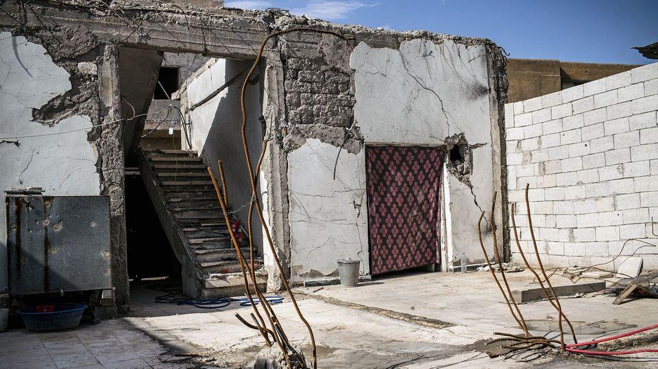 Als die Bombe auf Abdullahs Haus fiel, starben hier zehn Mitglieder seiner Familie, unter ihnen seine sechs Kinder