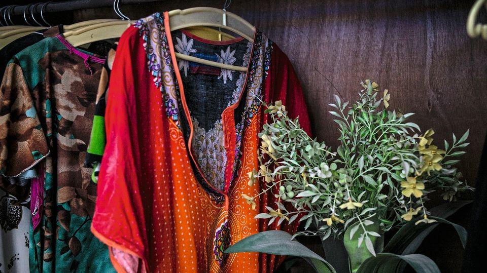 Der Kleiderschrank seiner Frau blieb unversehrt, Abdullah verwahrt ihn unverändert