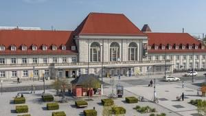 Auch die Bahnhofshalle von Weimar wurde geräumt