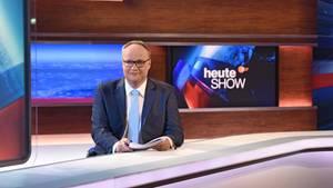 Unsere Leichen leben noch - Oliver Welke nimmt sich die SPD vor.