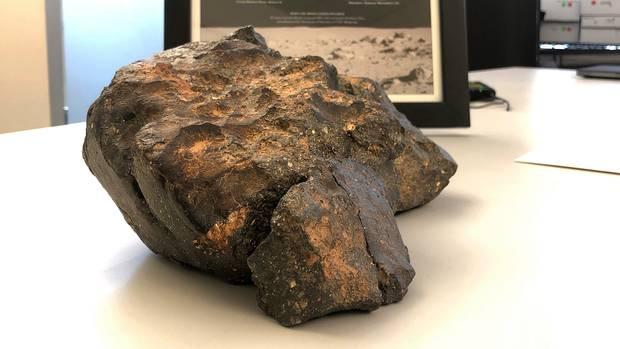 Der 5,5 Kilogramm schwerer Mondmeteorit, der 2017 in Nordwestafrika entdeckt wurde