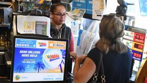 In den USA, wie hier in einer Annahmestelle in Kalifornien, grassiert das Lottofieber