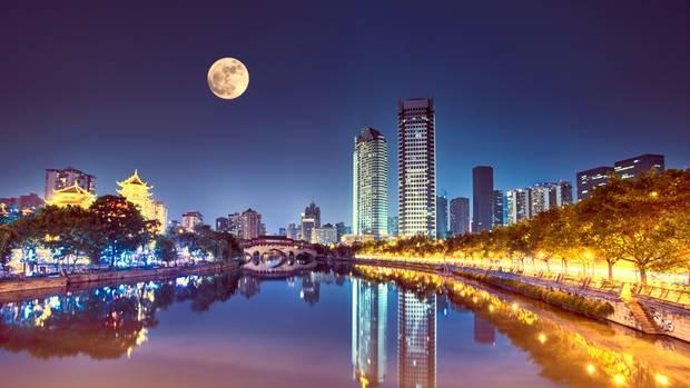 China plant zweiten Mond im All