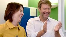 Bündnis 90 Die Grünen - Annalena Baerbock und Robert Habeck sind richtig gut drauf