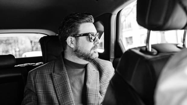 Der Fashion Director im Fond des DS 7 CROSSBACK