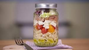 Der italienische Shaker Salat zum Mitnehmen