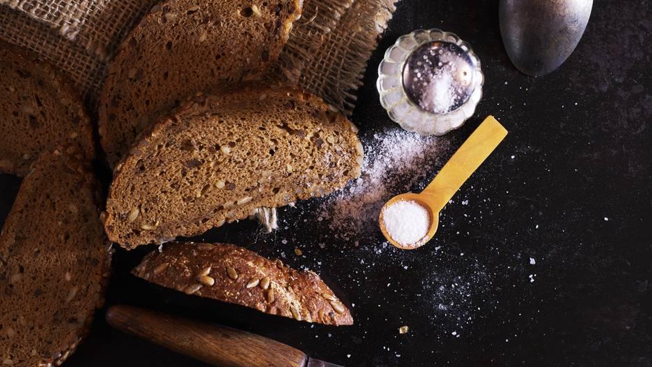 Brot Und Salz Warum Schenkt Man Es Zum Einzug Sternde
