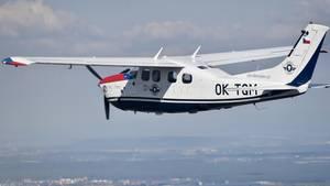 Der Rapper Jon James lief bei einem Stunt über den Flügel einer kleinen Cessna und stürzte ab (Symbolbild)