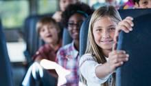 Schulkinder im Bus