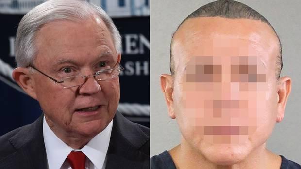 US-Justizminister Jeff Sessions (l.) informiertüber den festgenommenen Verdächtigen Cesar S. im Fall der Briefbombenserie