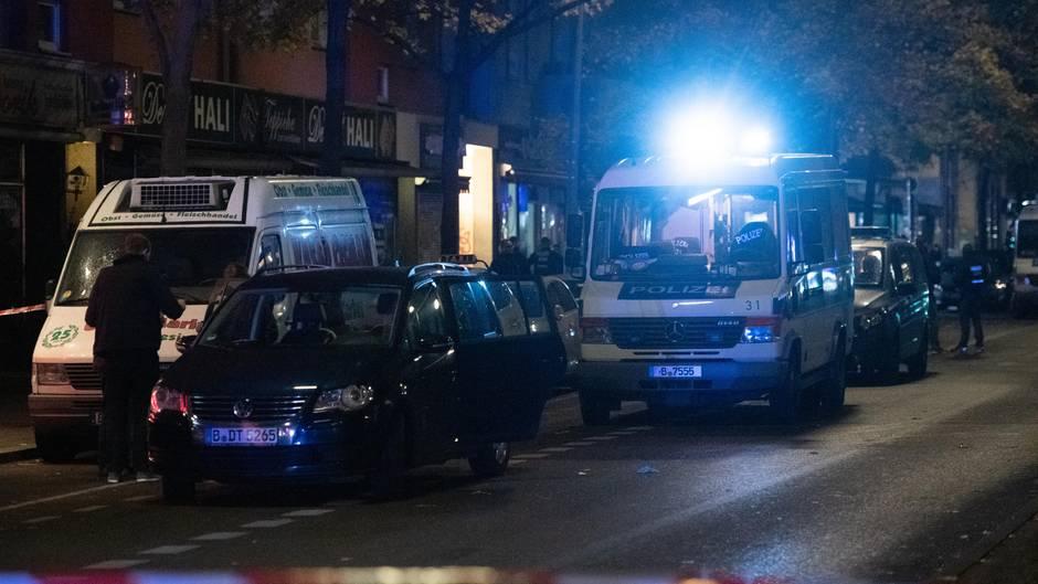 Nachrichten aus Deutschland: 23-Jährige stirbt nach Streit vor Berliner Lokal