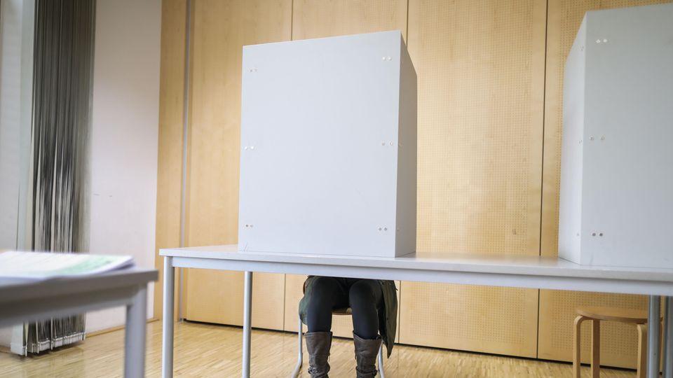 Umfrageschock vor Landtagswahl in Hessen: Union und SPD stürzen (noch) weiter ab