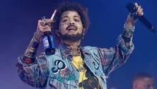 Rita Ora: Superstar kommt als Rapper Post Malone zu Halloween-Party – mit Bart und Gesichtstattoo