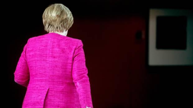 Angela Merkel verzichtet auf CDU-Vorsitz und bleibt Bundeskanzlerin