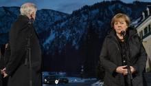 Die Zeichen stehen auf Abschied: Horst Seehofer und Angela Merkel 2016 bei einer Klausurtagung in Wildbad Kreuth