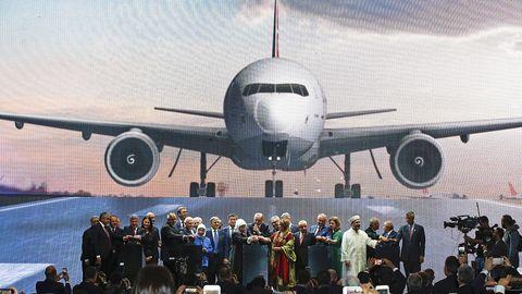 Recep Tayyip Erdogan (Mitte) hatam 29. Oktober den neuen Internationalen Flughafen Istanbul eingeweiht. Er will ihn zum größten Flughafen der Welt machen.