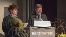 """Die Digital-Aktivisten Rena Tangens und padeluun bei der Verleihung des """"Big Brother Awards"""""""
