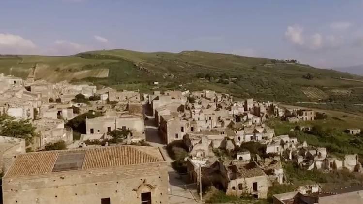 Vergessene Orte: Dieses Dorf wurde in den 60er Jahren verlassen - und sieht noch gruselig belebt aus