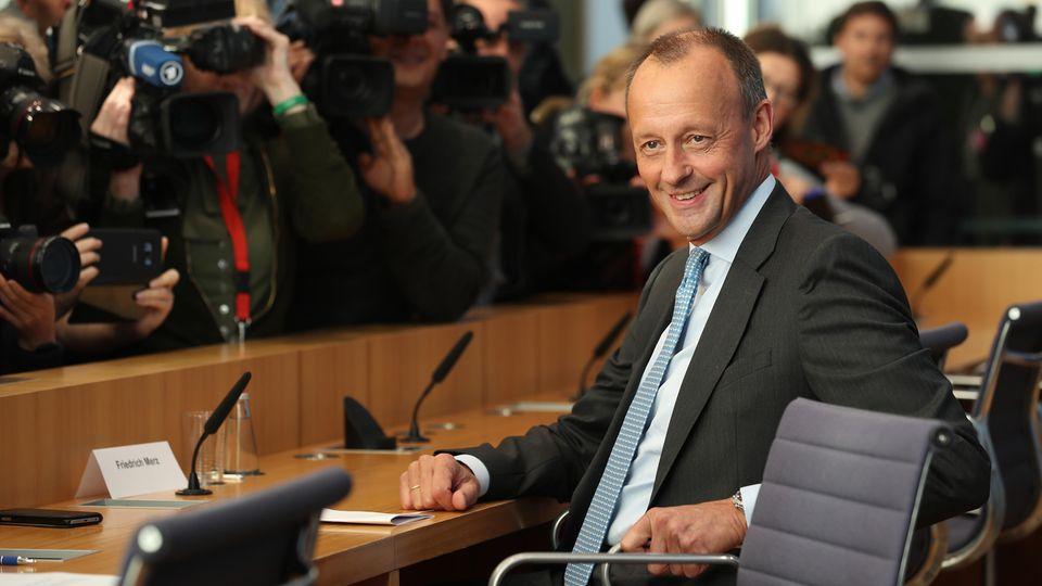 Friedrich Merz gibt Kandidatur um CDU-Vorsitz bekannt